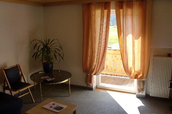 Gastehaus Munchner Kindl : Neighbour's room