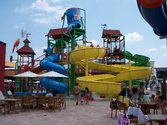 Coco Key Hotel and Water Park Resort: The back of the main water park