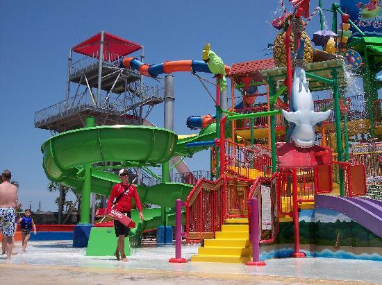 Coco Key Hotel and Water Park Resort: Another angle of the main kids water park