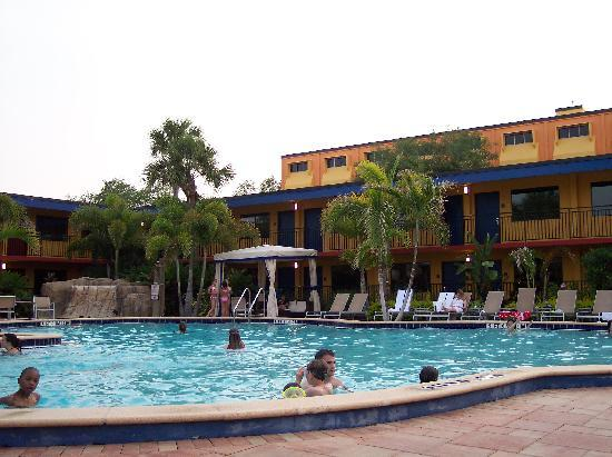 Coco Key Hotel and Water Park Resort: Another front pool photo