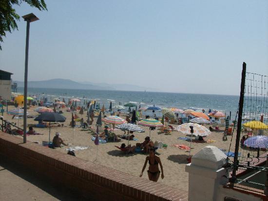 Follonica, Italia: La spiaggia libera