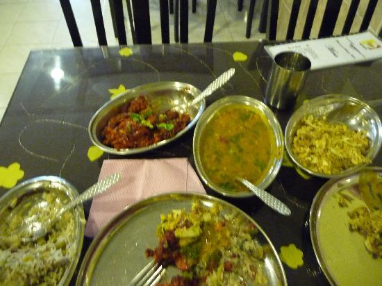 Deepam Restaurant: First course, delicious