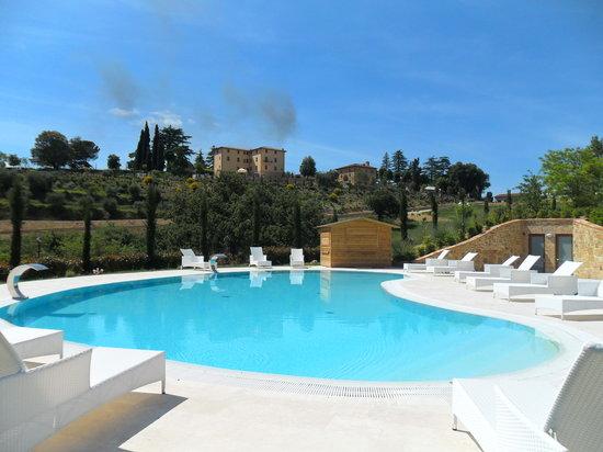 Etruria Resort & Natural Spa: La piscina Dependence