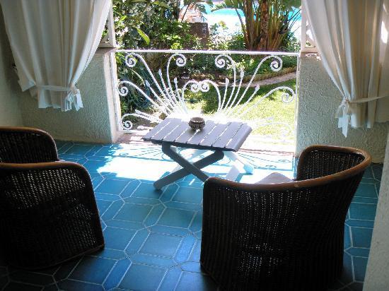 Hotel Simius Playa: Il patio visto dalla camera, che affaccia sul giardino
