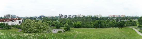 Around Warsaw- city guide : Park Romana Kozlowskiego, north view