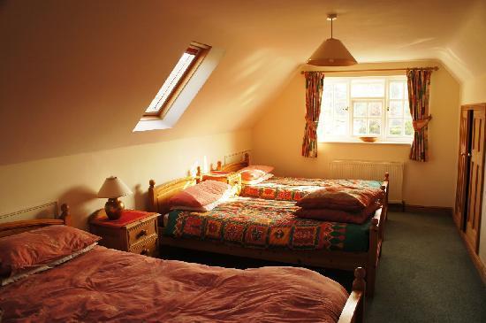 Cornerways Bed & Breakfast: Attic family room