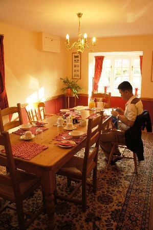 Cornerways Bed & Breakfast: Dining room where we had our breakfast