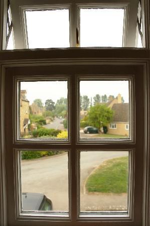 Cornerways Bed & Breakfast: View from our bedroom window