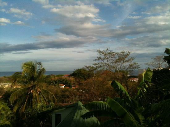 Tamarindo Village Hotel : Beautiful view from the balcony