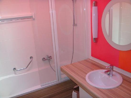 Center Parcs - Domaine des Trois Forets : La salle de bain