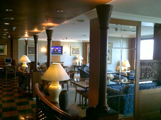 InterContinental Phnom Penh: club lounge