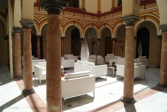 abba Palacio de Arizon Hotel: Patio