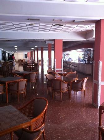 Cabana Hotel: bar area