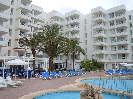 Hotel Palia Sa Coma Playa: Außenanlage