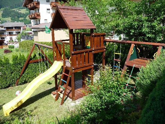 Hotel Zillerhof: Kinderplatz