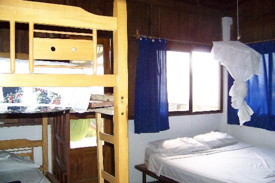 Hostal Kundalini: habitacion para cuatro personas