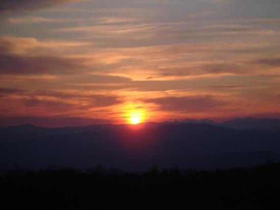 Bosco Ciancio : Sonnenuntergang aus dem Fenster des Hotelzimmers