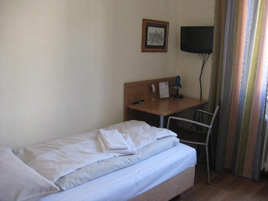 Room 37, Litty's Hotel