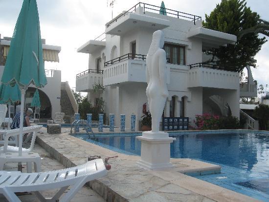 Castle Suites Resort: Hotellet var bygd opp med flere slike små slott