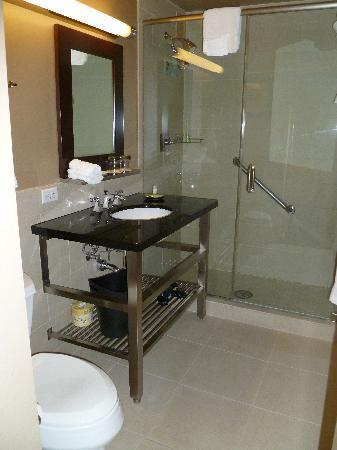 The Westin Governor Morris, Morristown: Bathroom