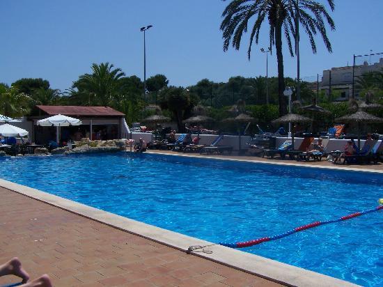 Barcelo Ponent Playa: piscine