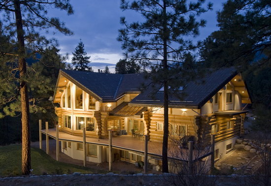 Log Home Bed Breakfast Peachland Canada Okanagan