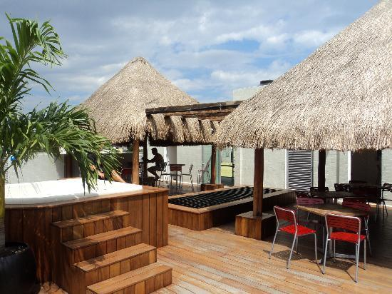Hostel Mundo Joven Cancun: Roof top terrace