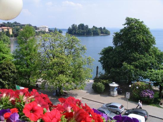 Hotel Pallanza: vista lago da camera