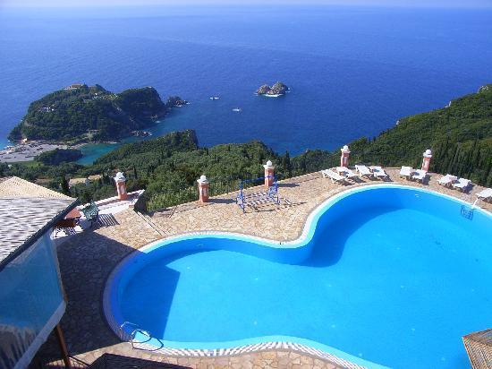 Paleokastritsa, Greece: Einige der schönsten Hotelanlagen liegen oben im Ortsteil Lakones