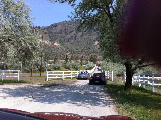 South Thompson Inn & Conference Center: Drive to Inn