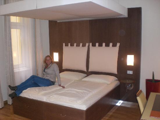 Hotel Rathaus Wein & Design: room 108