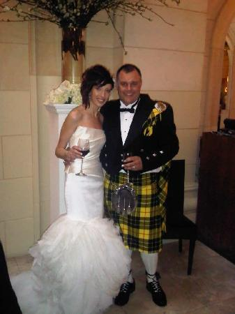Windsor Arms Hotel: birde and groom