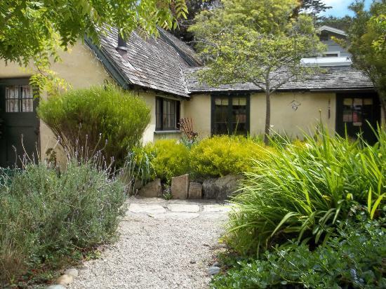 Edgemere Cottages: Other Cottage & Gardens