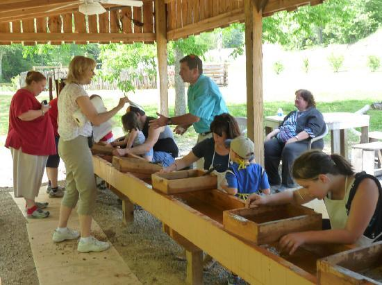 Murphy, NC: church group gem mines