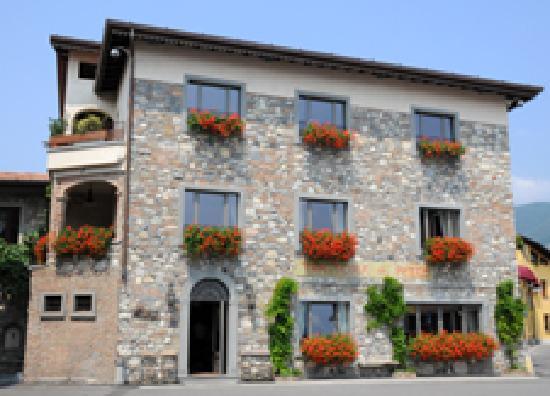 Ristorante Trattoria Al Porto, Clusane sul Lago - Restaurant ...