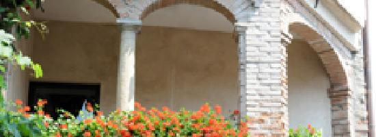 Clusane sul Lago, Italia: Arco Esterno
