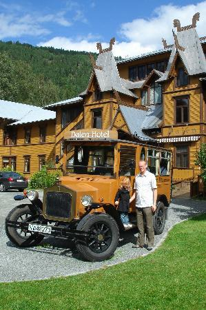 Front of Dalen Hotel