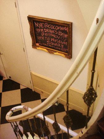 Cocomama: staircase on NYE