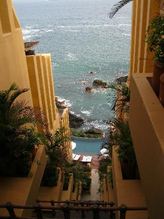 Capella Ixtapa: View from the hallway.
