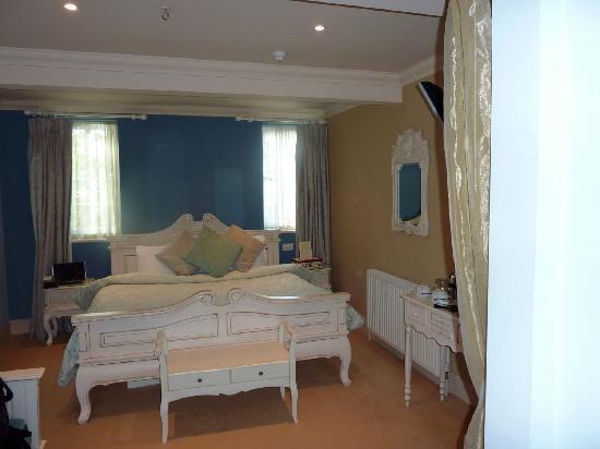 Hotel de Vie Parisian Room