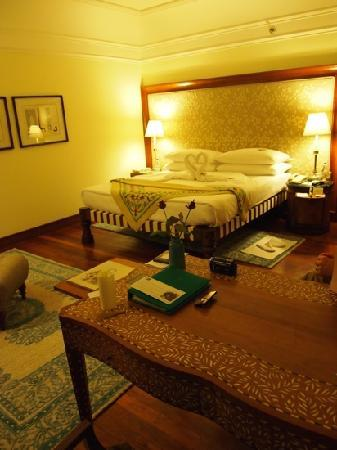 The Oberoi Amarvilas: the room