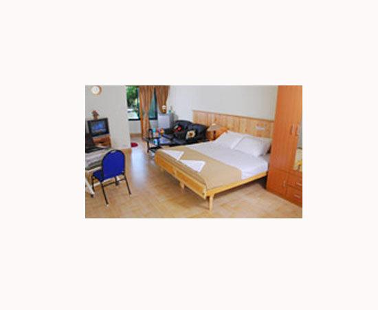 Oval Retreat Palace : Oval Retreat