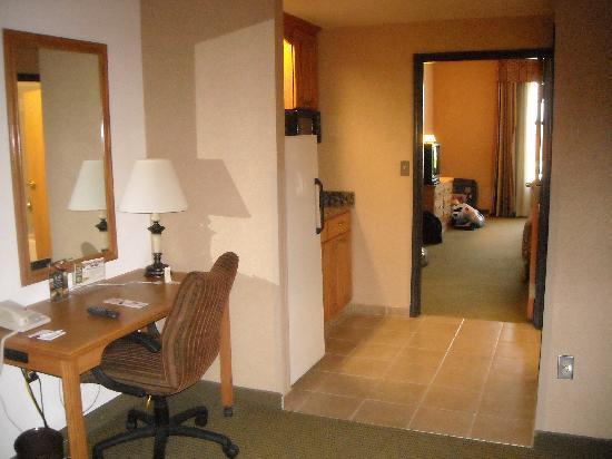 Drury Inn & Suites Lafayette: Suite Room