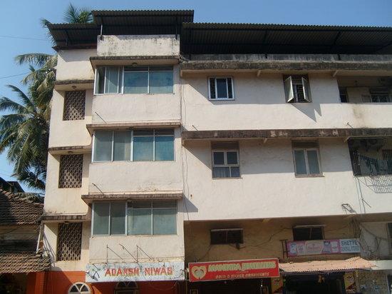 Adarsh Niwas Hotel