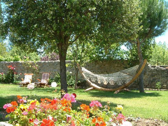 hotel doa sancha jardin con cenador hamacas tumbona - Hamacas Jardin