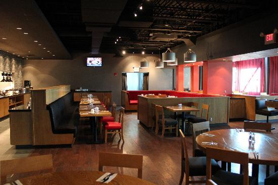 Radisson Hotel Menomonee Falls: rbg Bar & Grill