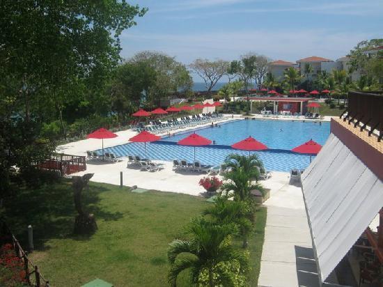 Decameron Baru: una de las piscinas
