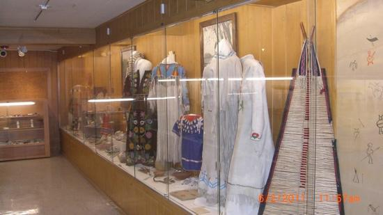 Yellowstone County Museum: Indian finery