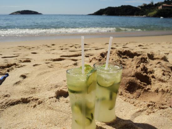 Armacao Beach: caipirinhas en la playa