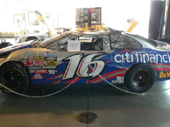 Matt Kenseth Racing Museum: Wrecked 2009 'Dega car
